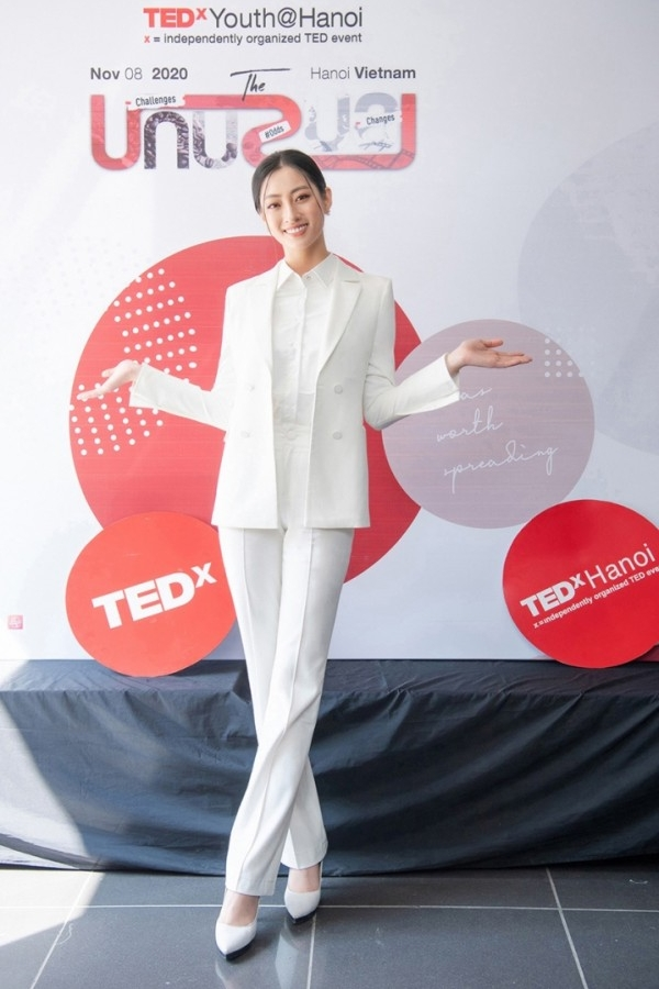 MS LUONG THUY LINH | AGELA DOUBLE BREASTED SUIT JACKET